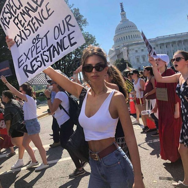 Emily Ratajkowski defends braless at protest