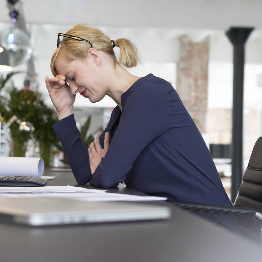 Women who work long hours more likely to suffer depression