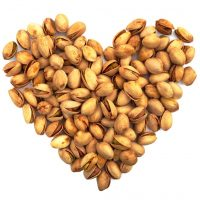 Per un cuore sano: mangiamo noci e stiamo meno seduti