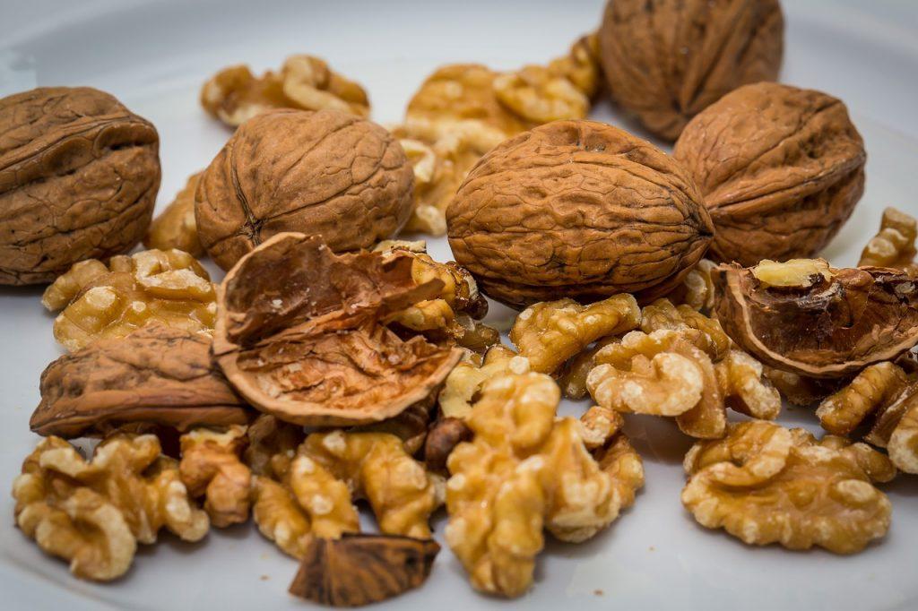 Walnut, a well known healthy superfood © CC0 pixabay/maxmann