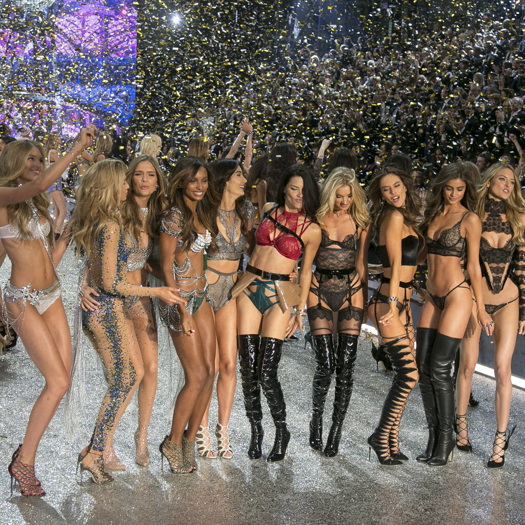 Victoria's Secret owner calls off sale