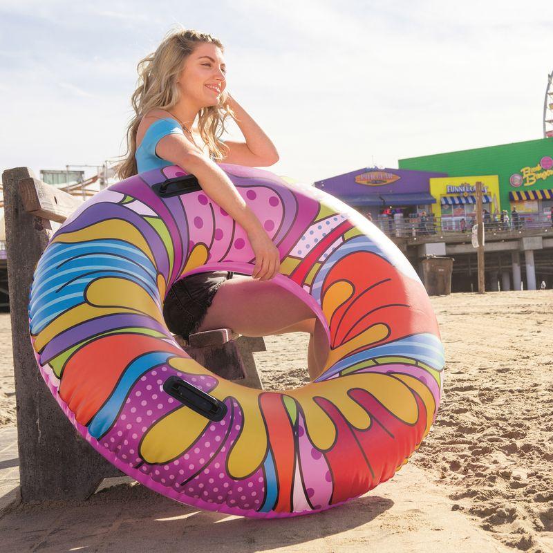 Ciambellone galleggiante super colorato