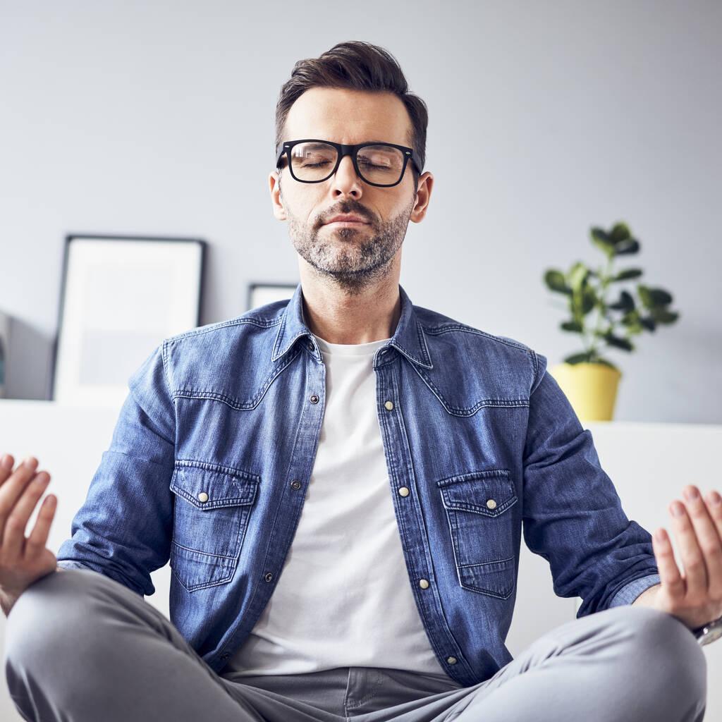 Comment introduire le calme dans votre routine quotidienne